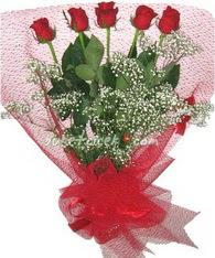 5 adet kirmizi gülden buket tanzimi  Sivas çiçek yolla , çiçek gönder , çiçekçi