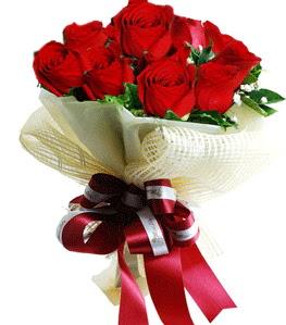 9 adet kırmızı gülden buket tanzimi  Sivas online çiçekçi , çiçek siparişi