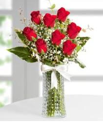 7 Adet vazoda kırmızı gül sevgiliye özel  Sivas ucuz çiçek gönder