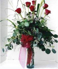 Sivas ucuz çiçek gönder  7 adet gül özel bir tanzim