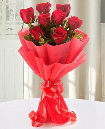 9 adet kırmızı gülden modern buket  Sivas yurtiçi ve yurtdışı çiçek siparişi