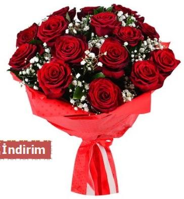 12 Adet kırmızı aşk gülleri  Sivas çiçek yolla
