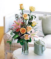 Sivas çiçek gönderme  cam yada mika vazo içerisinde gül kazablanka