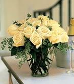Sivas ucuz çiçek gönder  11 adet sari gül mika yada cam vazo tanzim