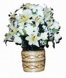 yapay karisik çiçek sepeti   Sivas hediye sevgilime hediye çiçek