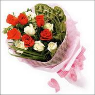 5 kirmizi 5 beyaz güllerden   Sivas çiçekçiler