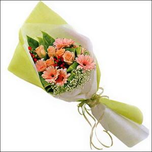 sade güllü buket demeti  Sivas çiçek , çiçekçi , çiçekçilik