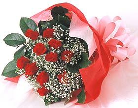 12 adet kirmizi gül buketi  Sivas internetten çiçek siparişi