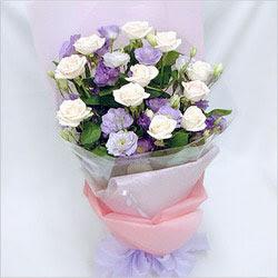 Sivas hediye çiçek yolla  BEYAZ GÜLLER VE KIR ÇIÇEKLERIS BUKETI