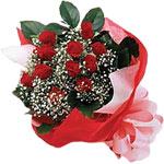Sivas hediye çiçek yolla  KIRMIZI AMBALAJ BUKETINDE 12 ADET GÜL