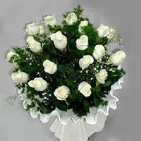 Sivas çiçek satışı  11 adet beyaz gül buketi ve bembeyaz amnbalaj