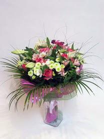 Sivas çiçek satışı  karisik mevsim buketi mevsime göre hazirlanir.
