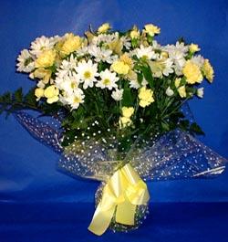 Sivas çiçek satışı  sade mevsim demeti buketi sade ve özel