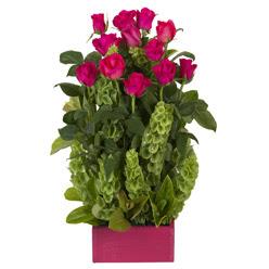 12 adet kirmizi gül aranjmani  Sivas hediye sevgilime hediye çiçek