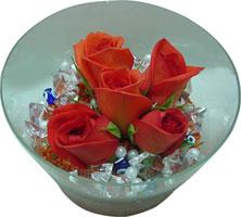 Sivas cicek , cicekci  5 adet gül ve cam tanzimde çiçekler