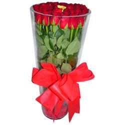 Sivas 14 şubat sevgililer günü çiçek  12 adet kirmizi gül cam yada mika vazo tanzim