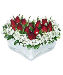Sivas çiçek siparişi sitesi  mika kalp içerisinde 9 adet kirmizi gül