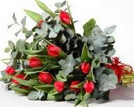 Sivas çiçek yolla  11 adet kirmizi gül buketi özel günler için