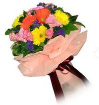 Sivas çiçek , çiçekçi , çiçekçilik  Karisik mevsim çiçeklerinden demet