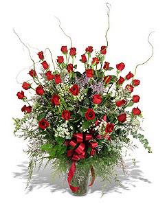 Sivas ucuz çiçek gönder  33 adet kirmizi gül vazo içerisinde