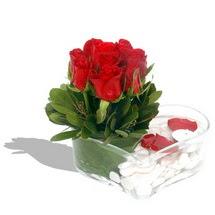 Mika kalp içerisinde 9 adet kirmizi gül  Sivas anneler günü çiçek yolla