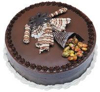 Çikolatali yas pasta 4 ile 6 kisilik  leziz  Sivas hediye sevgilime hediye çiçek