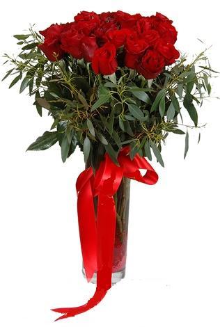 15 adet kirmizi gül cam vazo içerisinde  Sivas hediye çiçek yolla