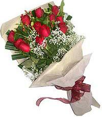 11 adet kirmizi güllerden özel buket  Sivas çiçek siparişi sitesi