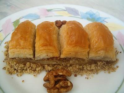online pastane Essiz lezzette 1 kilo cevizli baklava  Sivas internetten çiçek siparişi