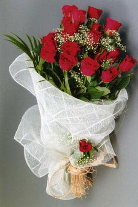 10 adet kirmizi güllerden buket çiçegi  Sivas çiçek mağazası , çiçekçi adresleri