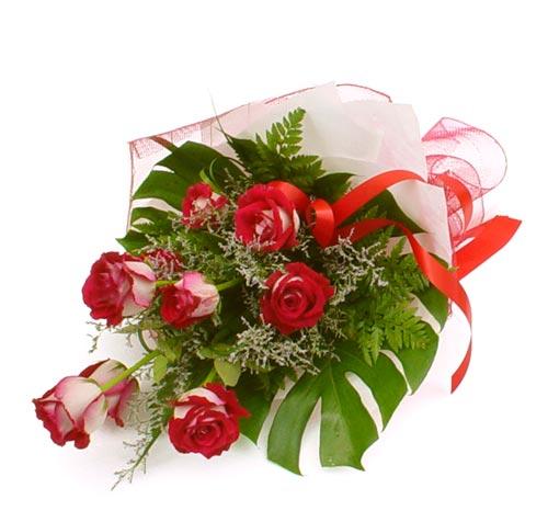 çiçek gönder 7 adet kirmizi gül buketi  Sivas çiçek online çiçek siparişi