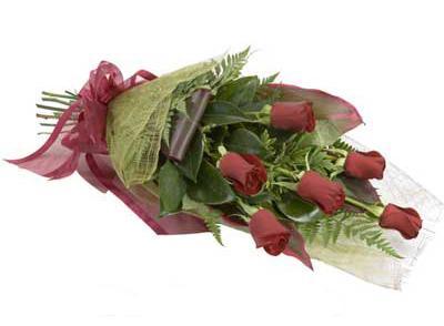 ucuz çiçek siparisi 6 adet kirmizi gül buket  Sivas ucuz çiçek gönder