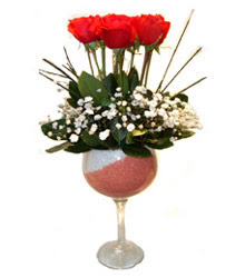 Sivas çiçekçi mağazası  cam kadeh içinde 7 adet kirmizi gül çiçek