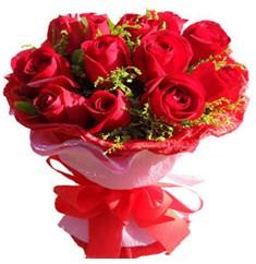 9 adet kirmizi güllerden kipkirmizi buket  Sivas çiçekçi mağazası