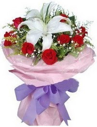9 adet kirmizi gül 1 adet kazablanka buketi  Sivas çiçek , çiçekçi , çiçekçilik