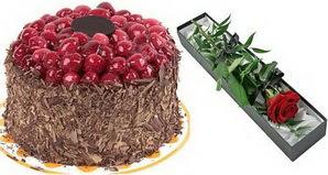 1 adet yas pasta ve 1 adet kutu gül  Sivas online çiçek gönderme sipariş