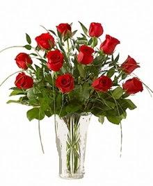 cam yada mika vazo içerisinde 9 kirmizi gül  Sivas ucuz çiçek gönder