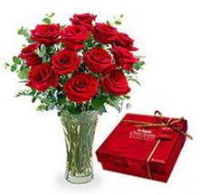 Sivas çiçek , çiçekçi , çiçekçilik  10 adet cam yada mika vazoda gül çikolata