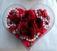 Sivas internetten çiçek siparişi  mika kalp içerisinde 3 adet gül ve taslar