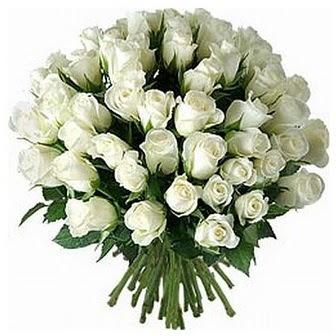Sivas anneler günü çiçek yolla  33 adet beyaz gül buketi