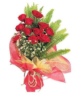 Sivas yurtiçi ve yurtdışı çiçek siparişi  11 adet kırmızı güllerden buket modeli