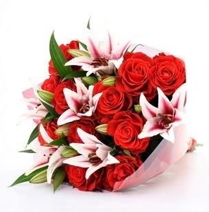 Sivas internetten çiçek satışı  3 dal kazablanka ve 11 adet kırmızı gül