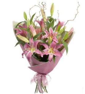 Sivas yurtiçi ve yurtdışı çiçek siparişi  3 dal cazablanca buket çiçeği