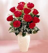 Sivas çiçek , çiçekçi , çiçekçilik  9 adet vazoda özel tanzim kirmizi gül
