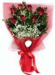 7 adet kırmızı gülden buket tanzimi  Sivas internetten çiçek siparişi