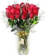 27 adet vazo içerisinde kırmızı gül  Sivas yurtiçi ve yurtdışı çiçek siparişi