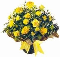 Sivas çiçek gönderme  Sari gül karanfil ve kir çiçekleri