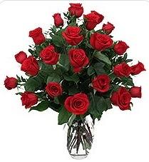 Sivas ucuz çiçek gönder  24 adet kırmızı gülden vazo tanzimi