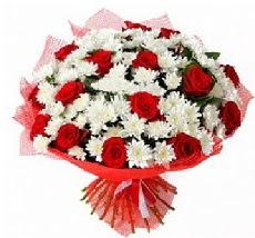 11 adet kırmızı gül ve 1 demet krizantem  Sivas hediye sevgilime hediye çiçek