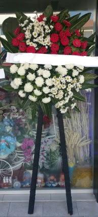 Cenaze çiçeği cenaze çiçek modelleri  Sivas ucuz çiçek gönder